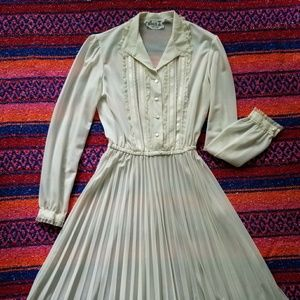 Vintage 1950s ivory dress